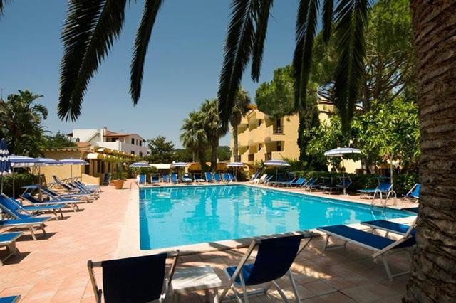 Family hotel ad ischia hotel per bambini - Hotel con piscina termale per bambini ...